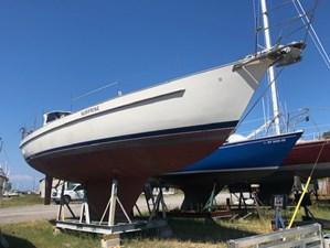 42 Niagara Starboard Bow
