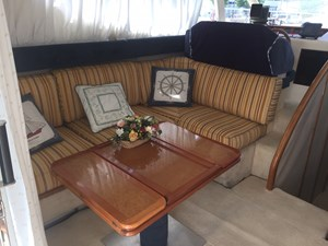 Azimut 36 Fly - Motor Yacht - interior - Salon Convertible - IMG_1668