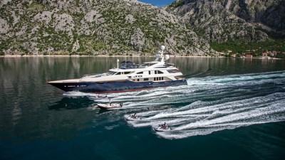yacht-jo-201803-running-03
