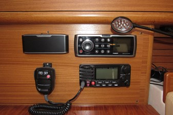 VHF & Stereo