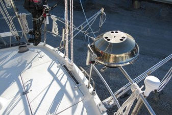 Stern rail with BBQ and davits