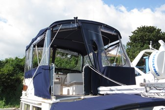 Full enclosure on flybridge