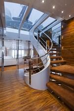 VULCAN 46 M 57 Vulcan-46m-001-16433-061-staircase