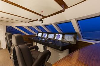 VULCAN 46 M 63 Vulcan-46m-001-16433-067-pilothouse