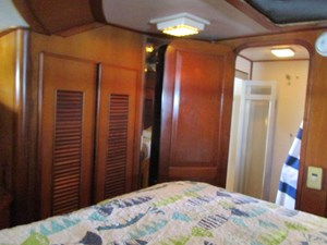 37. Linda Lee Forward Guest Cabin View To Head