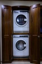 Lady Gemini_laundry_1