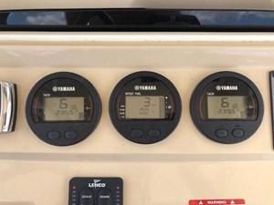 28 2017 Scout 275LXF Yamaha Controls