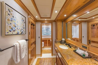 Main Deck Guest Bath