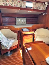 GLORY 4 Stbd. Salon Pilot Berth Outboard