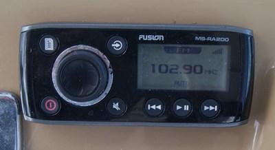 315 Fusion RA-200 Stereo