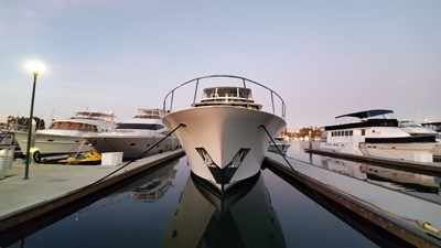 LA LA LAND 5 Crescent Custom Motor Yacht