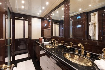 FATAMORGANA - Master bathroom (copyright Y. Grubski for Imperial)
