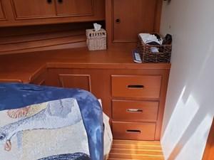 BLUE HERON 31 Owner's stateroom starboard side bureau