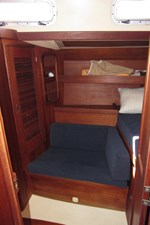 Aft Cabin seating & Storage