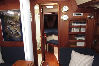 Salon, forward bulkhead and accommodations