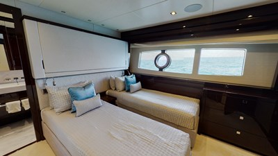 Twin Guest Stateroom Port convertible