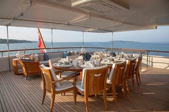 CYNTHIA 21 Bridge deck al fresco dining