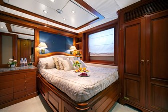 NEW STAR 8 Guest cabin