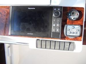 Carpe Diem 61 62_Flybridge Raymarine Electronics 2