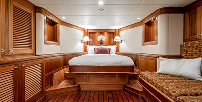 AllSeas 92-17-Forward Cabin