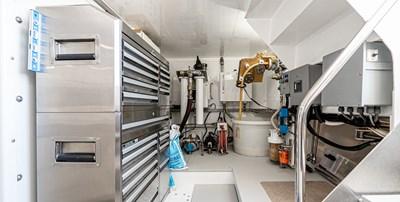 AllSeas 92-72-Engine Room