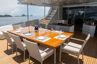 AQUARIUS 19 exterior-outdoor dining3