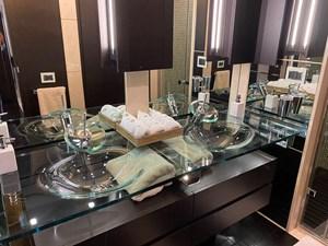 AQUARIUS 14 bathroom