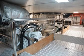 AQUARIUS 15 engine room2