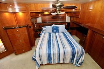 Carver 57 master cabin berth