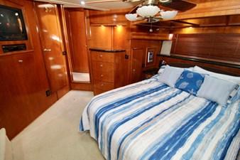 Carver 57 master cabin