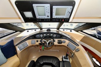 Carver 57 pilothouse steering