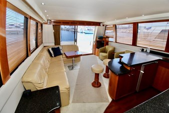 Carver 57 salon looking aft2