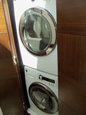 MONESSA 18 Companionway Laundry