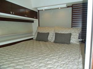 MONESSA 27 Starboard Guest Cabin Looking Aft
