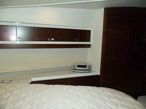 MONESSA 31 VIP to Starboard