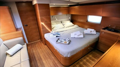 GEOMETRY_master stateroom_01