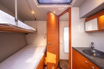 GEOMETRY 7 Crew Cabin