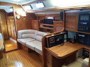Settee on starboard side converts