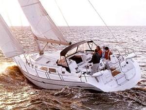 Catalina 470 sistership sailing