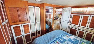 Owners Stateroom looking Fwd