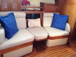 Comfortable individual seats to port