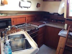 Spacious galley to starboard aft