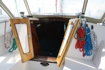 1989 Catalina 42 Geluk 6 Companionway Doors Open