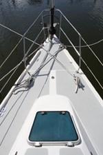 1989 Catalina 42 Geluk 10 Bow