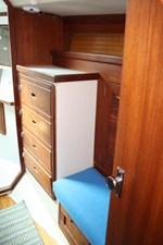 1989 Catalina 42 Geluk 27 Forward Cabin