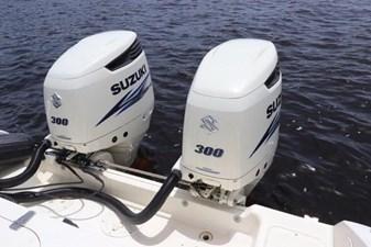 4_2004 30ft Pursuit 3070 Offshore