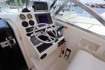 8_2004 30ft Pursuit 3070 Offshore