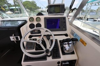 9_2004 30ft Pursuit 3070 Offshore