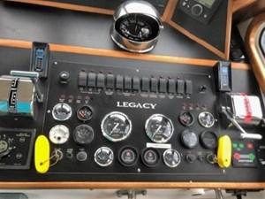 1999 Legacy Yachts 40 Sedan 14 Engine Panel Details