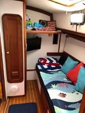 1999 Legacy Yachts 40 Sedan 22 Comfy Guest Cabin